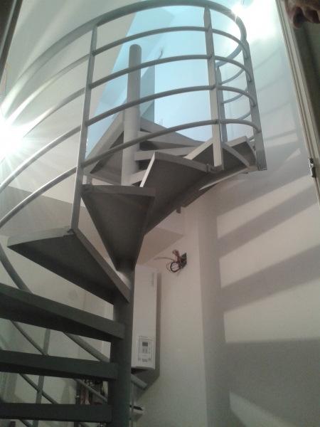 Escaliers metallerie simon for Porte de garage simon
